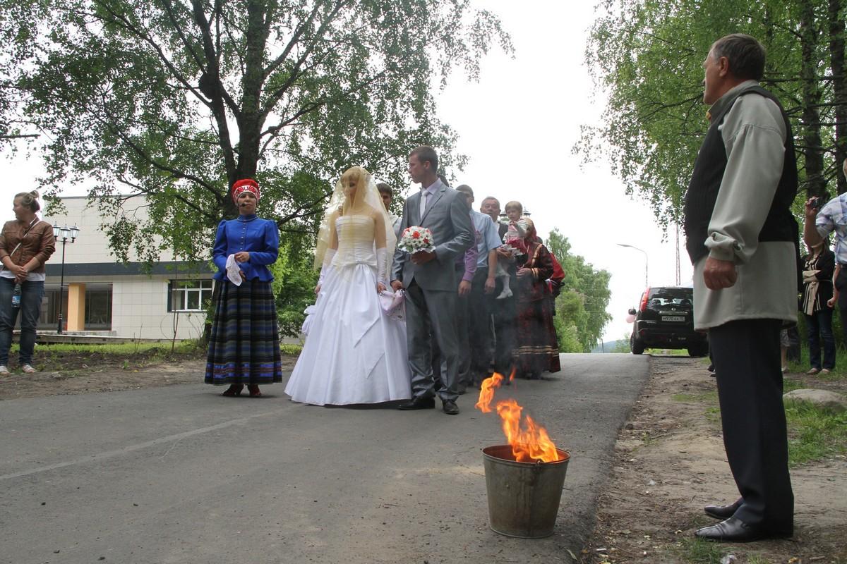 Свадьба в традиционном карельском стиле. Пряжа