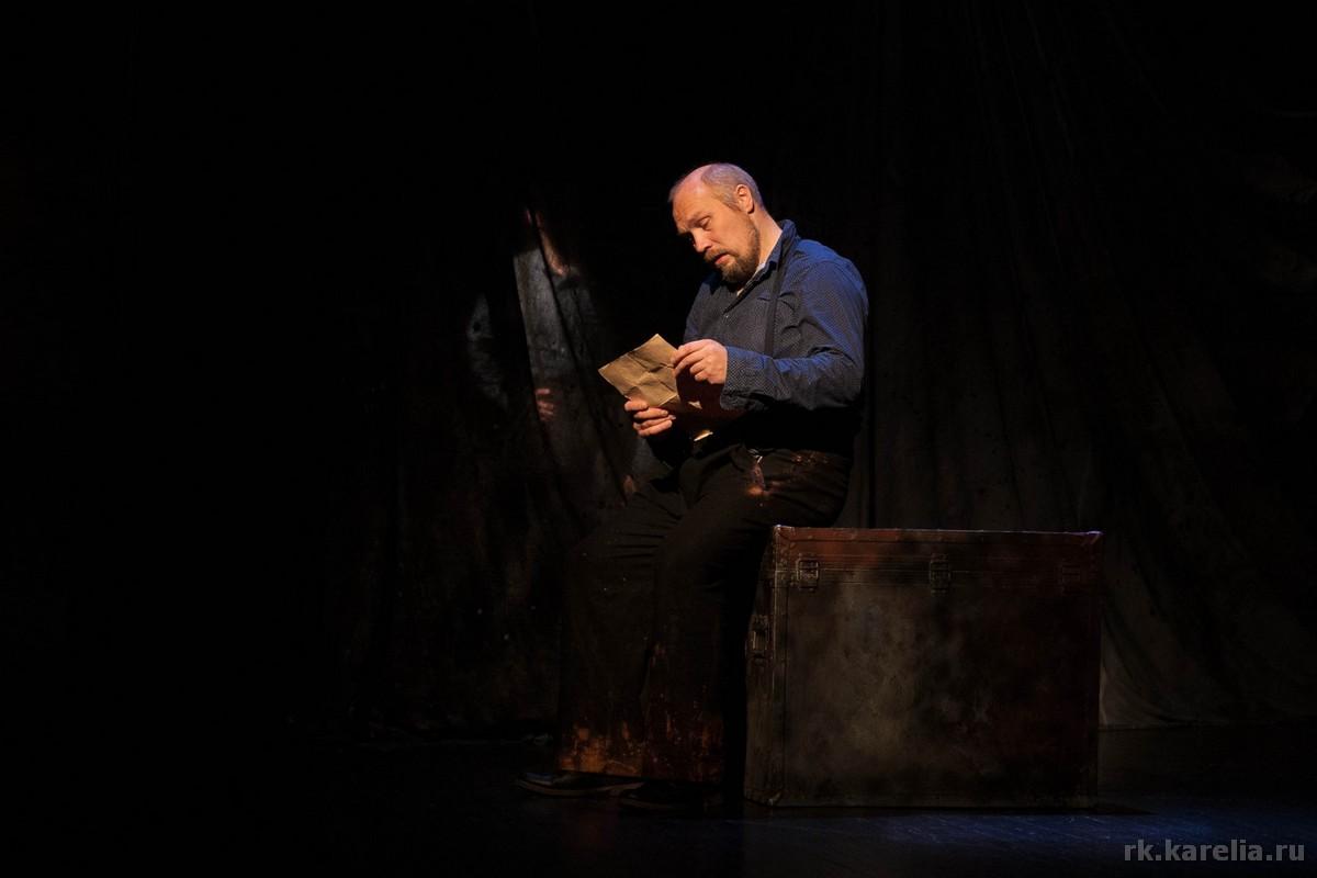 Спектакль «Фокстрот на троих» норвежского театра «Самовар». Петрозаводск