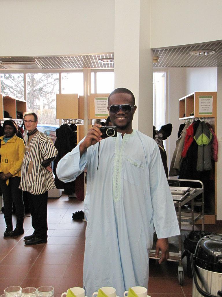 Один из видов мужской национальной одежды – длинная просторная рубаха из однотонной ткани.