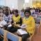 Девушки из разных стран – та, что в желтом, из Ганы, та, что слева, из Танзании, - общаются друг с другом на английском языке. В Гане английский – единственный официальный язык. Представители более чем пятидесяти племен, населяющих Гану, не понимают диалектов друг друга. Основной язык общения в стране все тот же английский или «акан» - один из наиболее распространенных в Гане языков.
