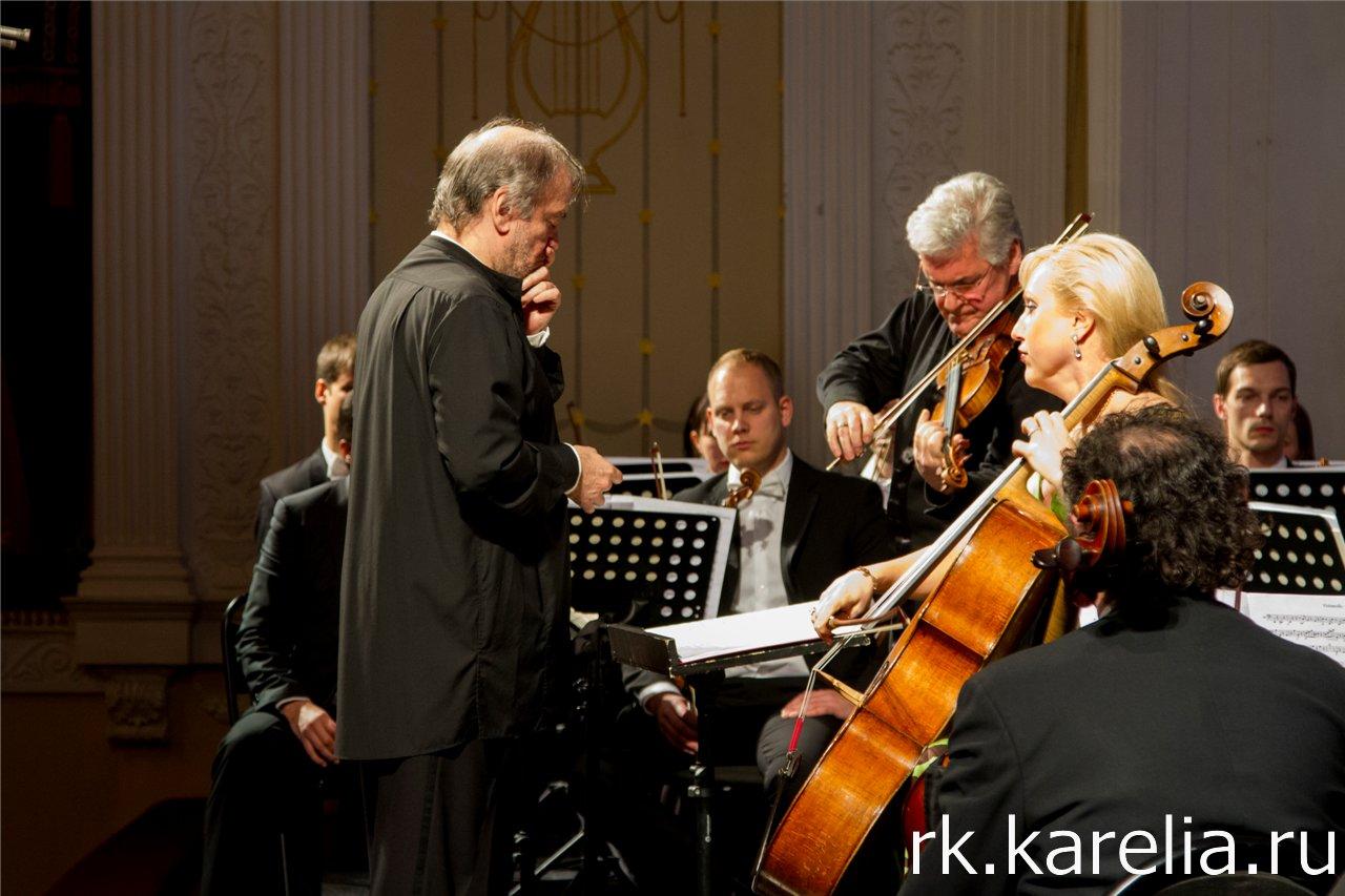 Симфонический оркестр Мариинского театра под управлением Валерия Гергиевана в Петрозаводске. Фото: Виталий Голубев