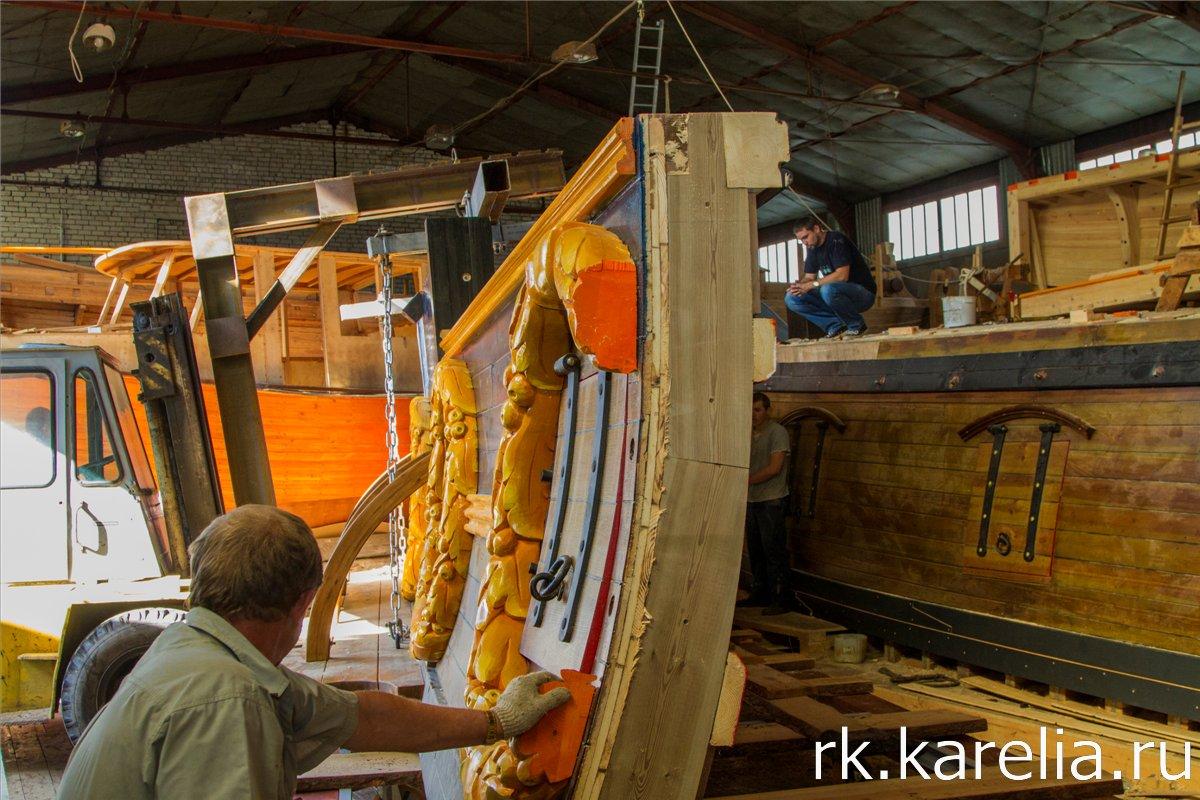 Демонтаж секций корабля. Фото: Виталий Голубев