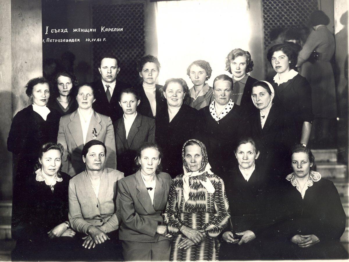Официальные групповые фотографии.