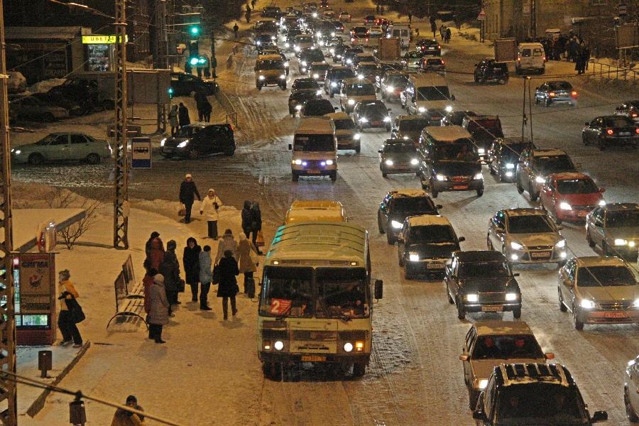 Улица Чапаева в Петрозаводске ранним утром.