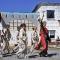 Гостей праздника приветствует племя Белой Горы
