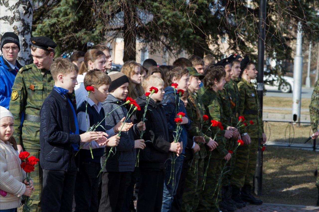 В Петрозаводске торжественно открылась «Вахта Памяти-2014». Фото: Виталий Голубев.