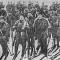 Лыжный отряд курсантов Интернациональной школы в Карелии (во втором ряду первый слева Тойво Антикайнен).