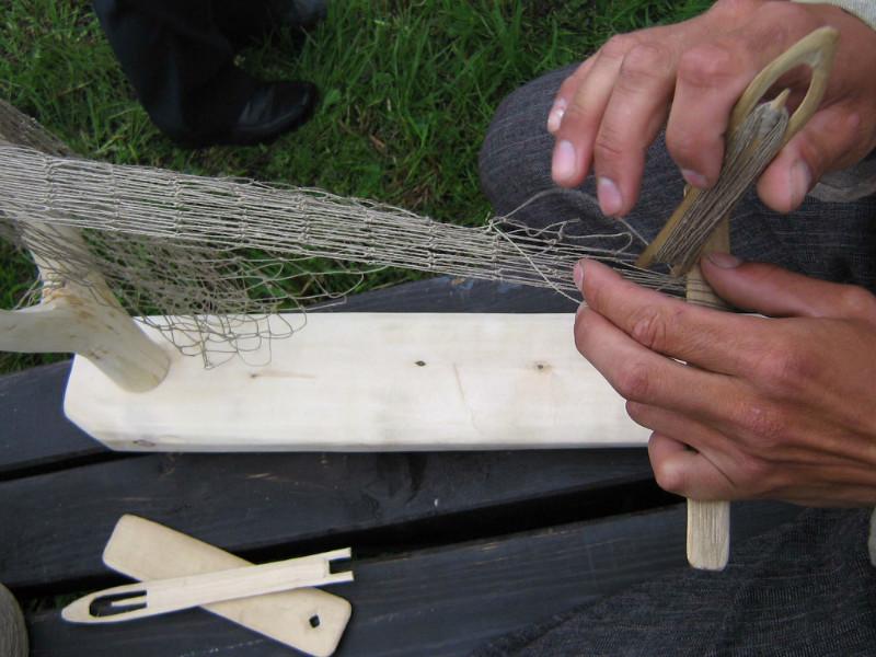 изготовление рыболовных сетей на станке