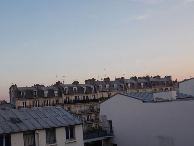 Виды из окна отеля в Париже