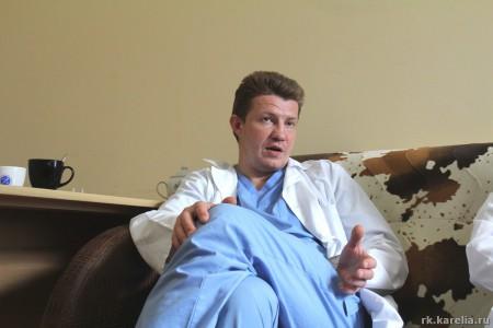 Алексей Корзун рассказывает о будущем нейрохирургии. Фото: Владимир Ларионов