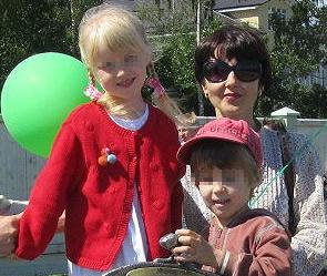 Светлана Карелина с детьми